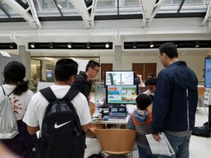 Students provide data technology demonstrations at the 2018 Explore UT