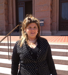 Ms. Cruz Ross spoke at the Texas Capitol.