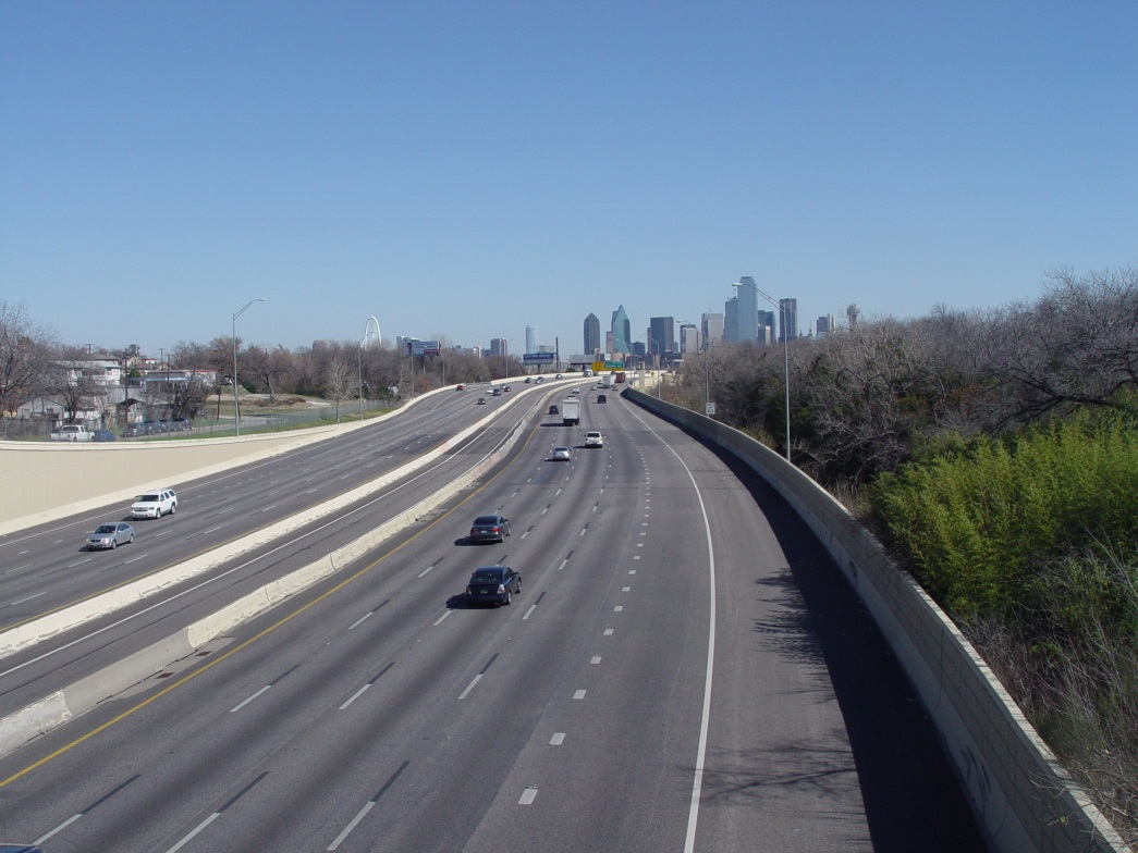 Photo of Dallas Interstate 30 before the transparent soundwall