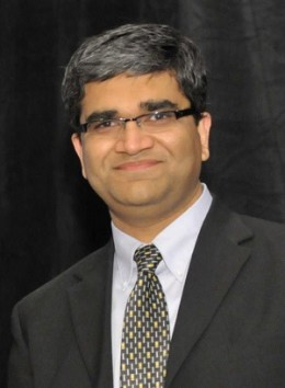 UT Honors Amit Bhasin with Teaching Excellence Award